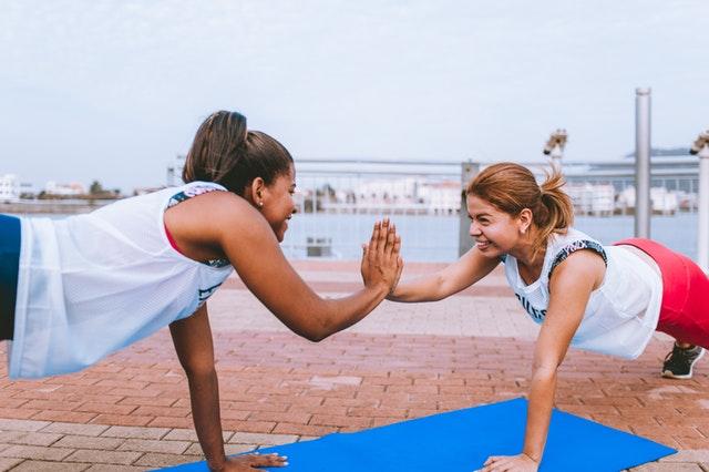 Ćwiczenia fitness są korzystne dla zdrowia pod każdą postacią!